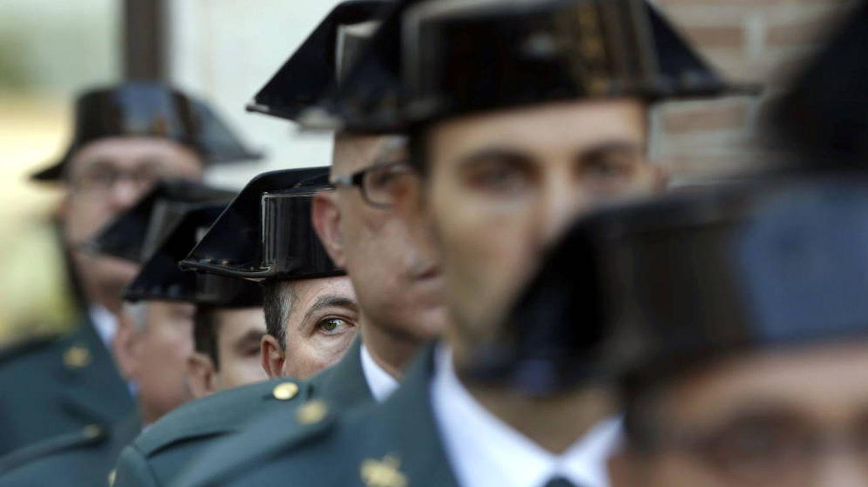 Foto: Imagen de archivo de algunos agentes de la Guardia Civil. (EFE)