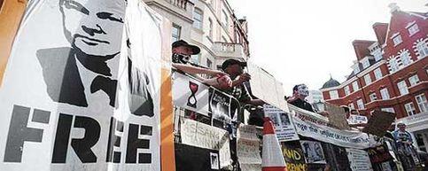 Foto: Anonymous ataca webs del Gobierno británico para apoyar a Assange