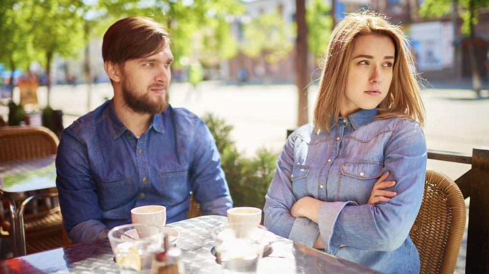 Foto: Después de leer esto, que hayáis coincidido en la camisa no te parecerá tan preocupante. (iStock)