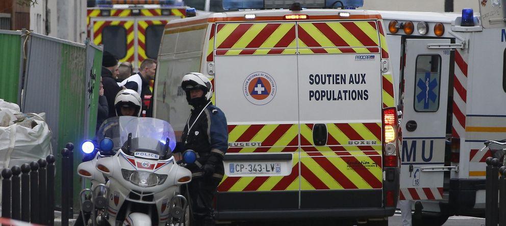 Foto: La policía bloquea una de las calles próximas a las oficinas del semanario satírico francés 'Charlie Hebdo'. (EFE)