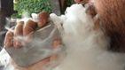 ¿Son peligrosos los cigarros electrónicos? 14 jóvenes hospitalizados por vapear en EEUU
