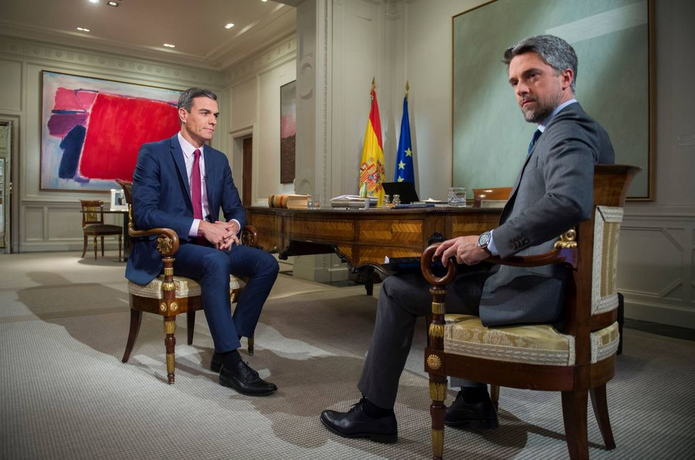 Foto: Pedro Sánchez, durante la entrevista con el periodista Carlos Franganillo en TVE, este 18 de febrero. (Borja Puig de la Bellacasa | Moncloa)