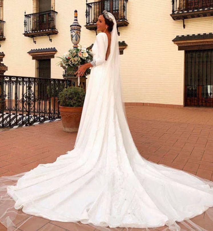 Foto: Rocío Osorno con su vestido de novia. (IG)