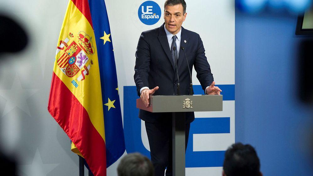 Foto: El presidente del Gobierno, Pedro Sánchez, en una rueda de prensa en Bruselas. (EFE)