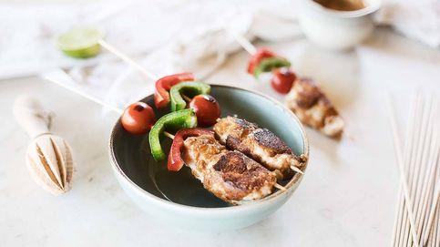 Receta de brochetas de pollo con salsa de cacahuete, pinchos ligeros y con sabor