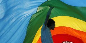 Foto: Muy español y muy gay:  'homonacionalismo' vs. radicales religiosos