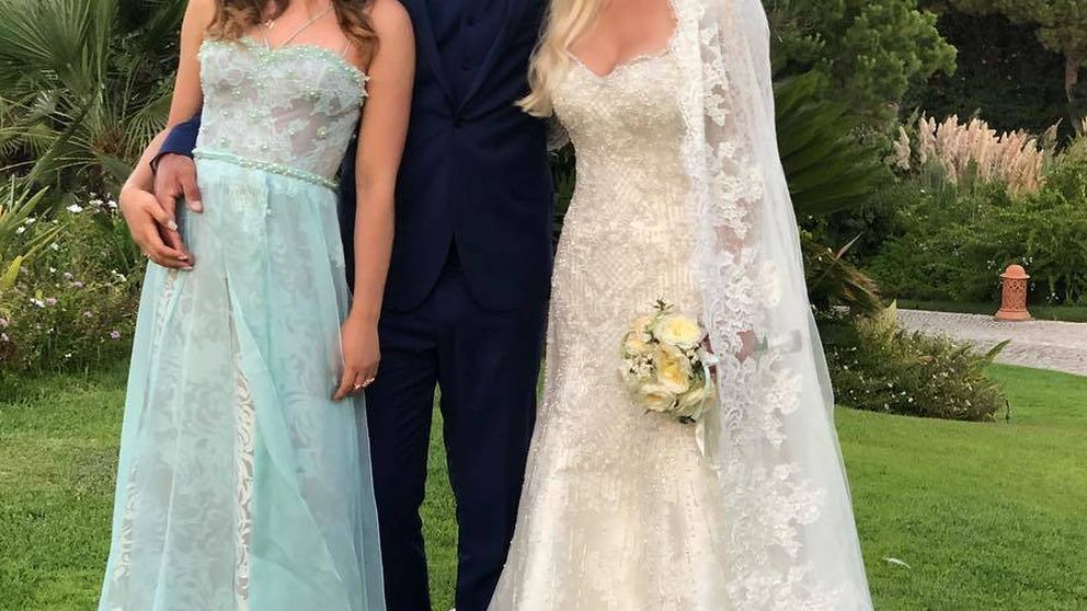 El ex de Athina Onassis se casa: el barroco vestido de la novia