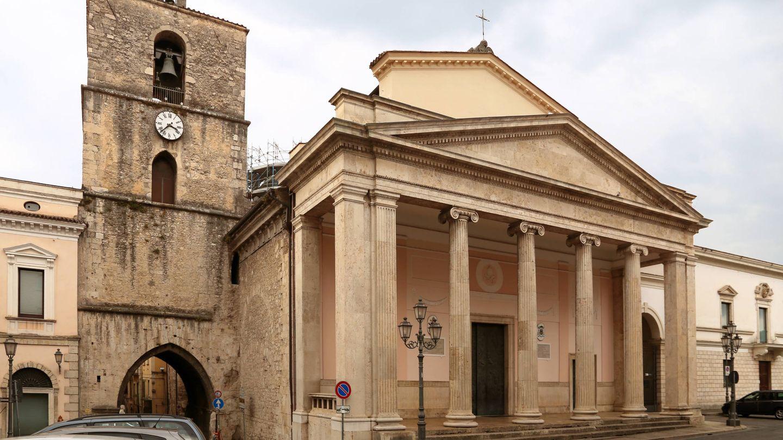 Catedral de San Pietro Apostolo en Isernia, una de las localidades de Molise.