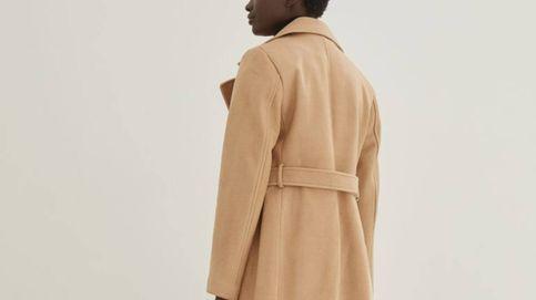 Este abrigo camel de H&M es un básico infalible por 30 euros