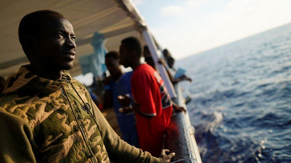 Foto: Migrantes rescatados en el Open Arms. (Reuters)