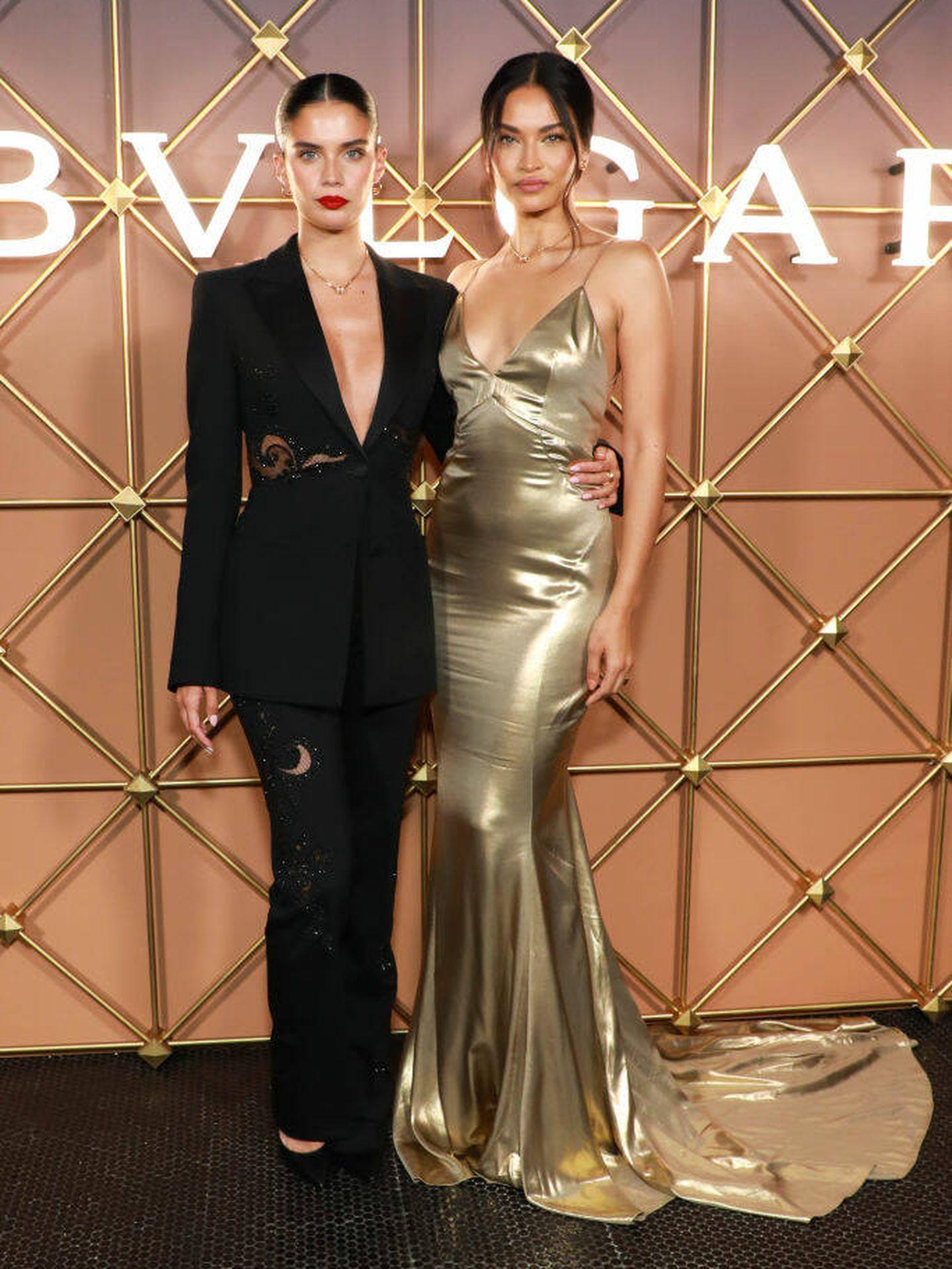 Sara Sampaio y Shanina Shaik, en la fiesta de Bvlgari en Nueva York. (Getty)