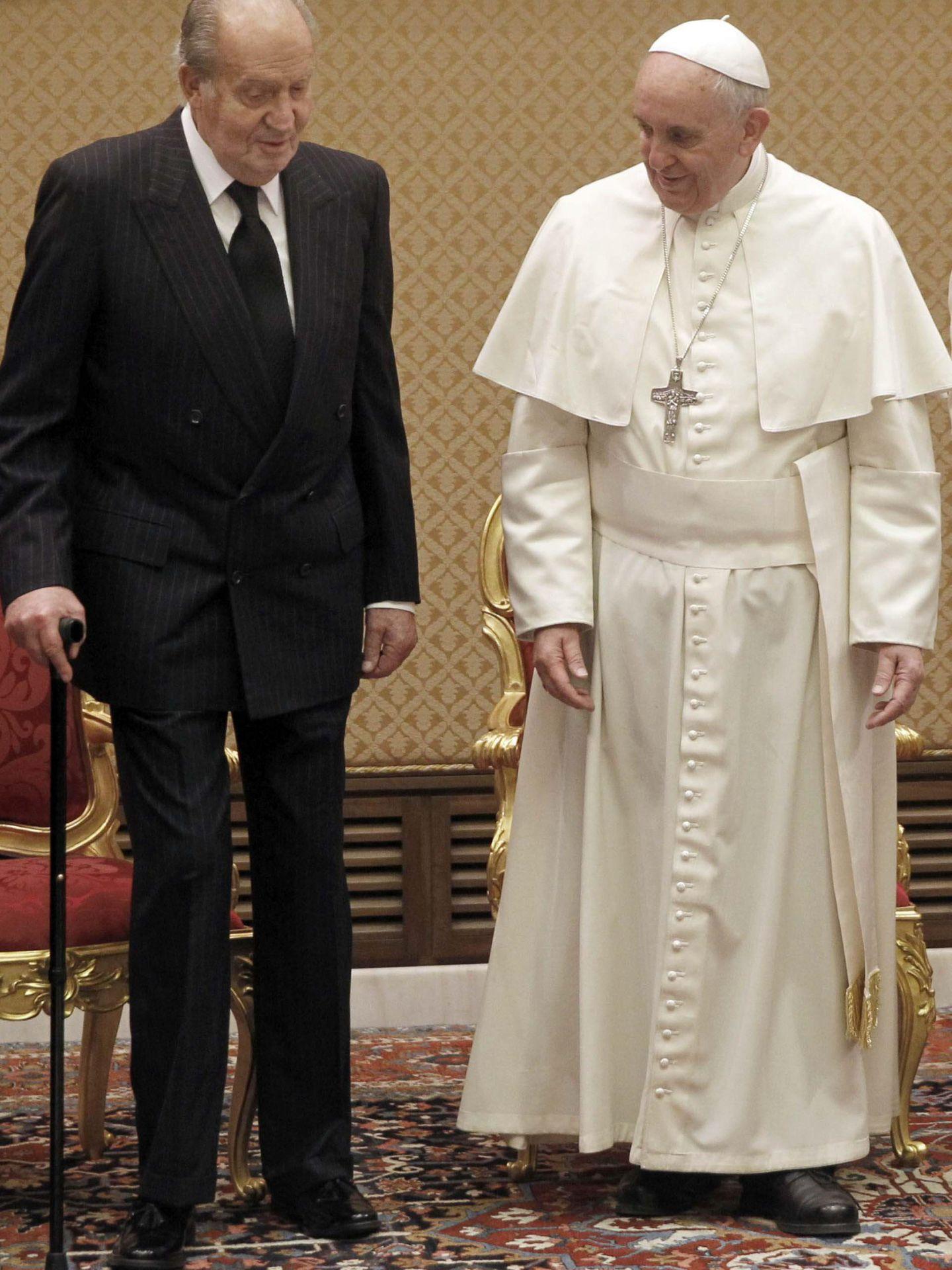 Papa francisco recibe reyes