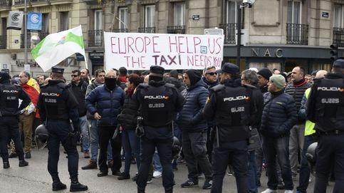 Huelga taxis en directo | Los taxistas exigirán fijar un recorrido mínimo de 5 km a las VTC